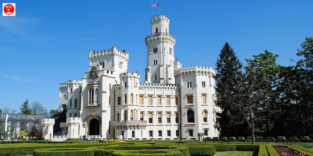 Туры в Чехию из Перми. Замок Глубока над Влтавой.