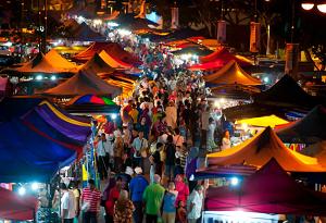 Ночной рынок Лангкави. Малайзия.